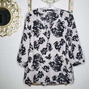 Maurices gray and black floral long sleeves blouse